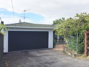 Great location with seaview - Mairangi Bay