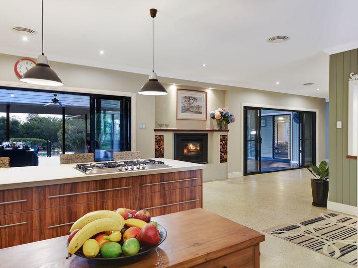 9 Warwick Lane, Samford Valley, QLD