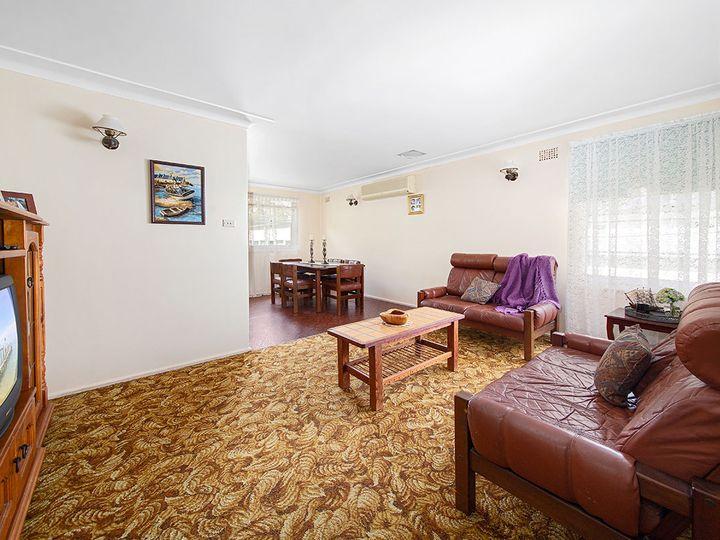 210 Prices Circuit, Woronora, NSW