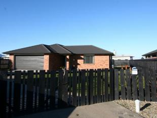 8 year old, double glazed, four bedroom home! - Heidelberg