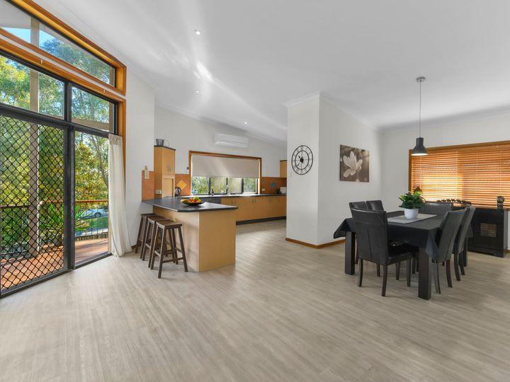 20 Habitat Place, Bridgeman Downs, QLD