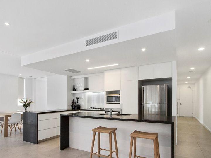4301/2 Sunset Avenue, Paradise Point, QLD