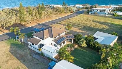 121 Barolin Esplanade, Coral Cove