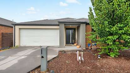 55 Stark Circuit, Cranbourne East