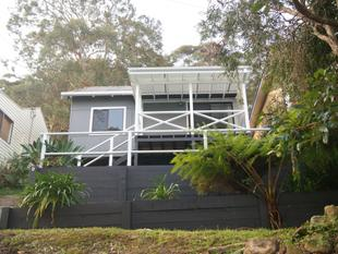 2 BEDROOM HOUSE FOR THE PRICE OF A CABIN Cosy Cottage with water views..Suit single person or a couple - Phegans Bay