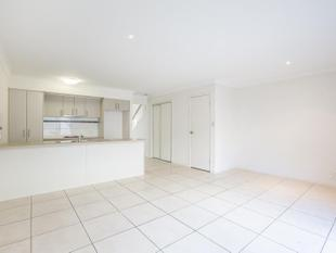 SPACIOUS & WELL DESIGNED TOWNHOUSE OFFERING AMAZING VALUE - Coomera
