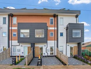 Stylish three-storey home ideal for first home buyers. - Epping