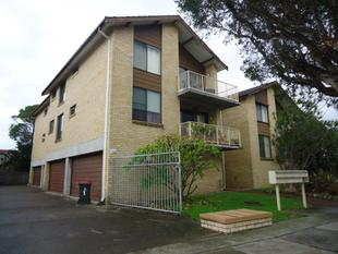 TWO BEDROOM UNIT IN GREAT LOCATION - Merewether
