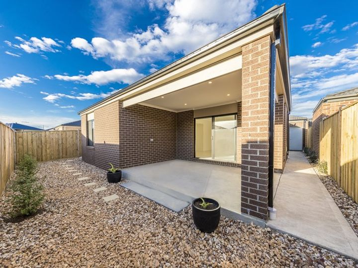 15 Clavell Crescent, Wollert, VIC