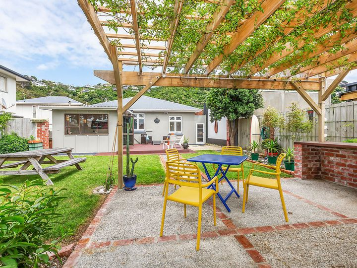 191 Queens Drive, Lyall Bay, Wellington City
