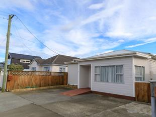 Petone - Four Bedroom Family Home - Petone