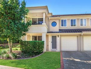 Vacant ready to move into townhouse - Coombabah