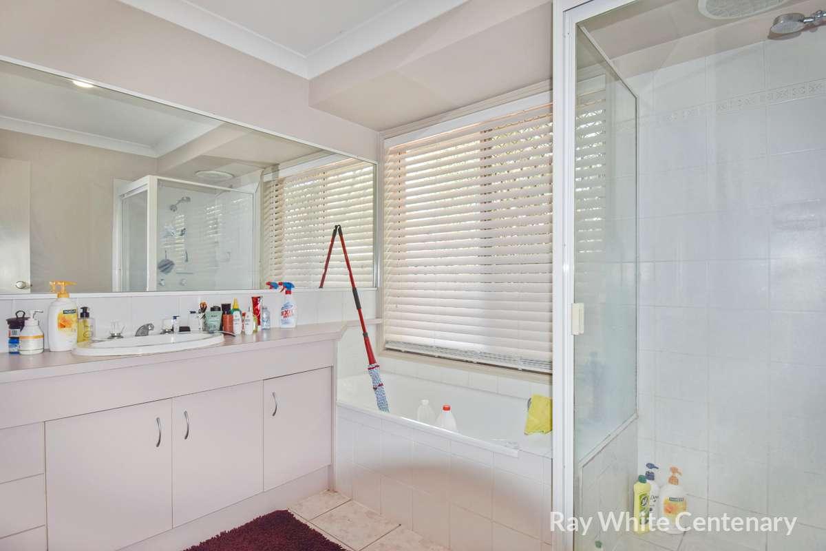 35 Flinders Crescent, Forest Lake, QLD 4078