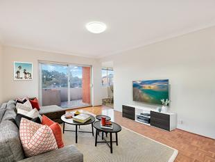 Generously proportioned top floor apartment with lock up garage - Randwick