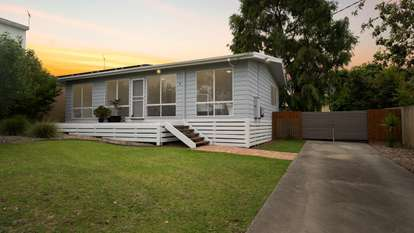 39 Happy Valley Drive, Sunset Strip