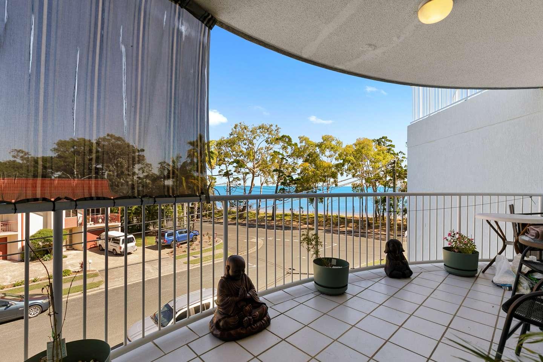 11/458 Esplanade, Torquay, QLD 4655