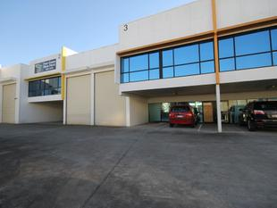 MOTIVATED LANDLORD - 253m2 Mutli Use Industrial Warehouse - Capalaba