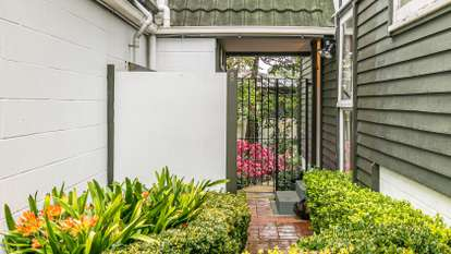 8/23 Cleary Road, Panmure