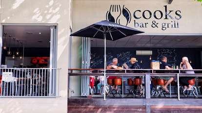 1 Cook's Bar and Grill, Airlie Beach