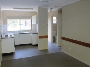 Private cozy living! - Clayfield