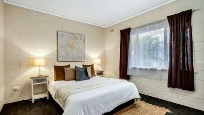 2/37 Dampier Avenue, Flinders Park