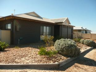 4x2 LARGE FAMILY HOME - Hopetoun