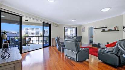 7/3 Rock Street, Scarborough