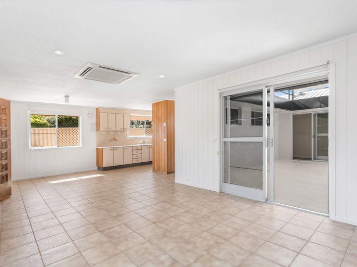 6 Sylvan Court, Kallangur, QLD