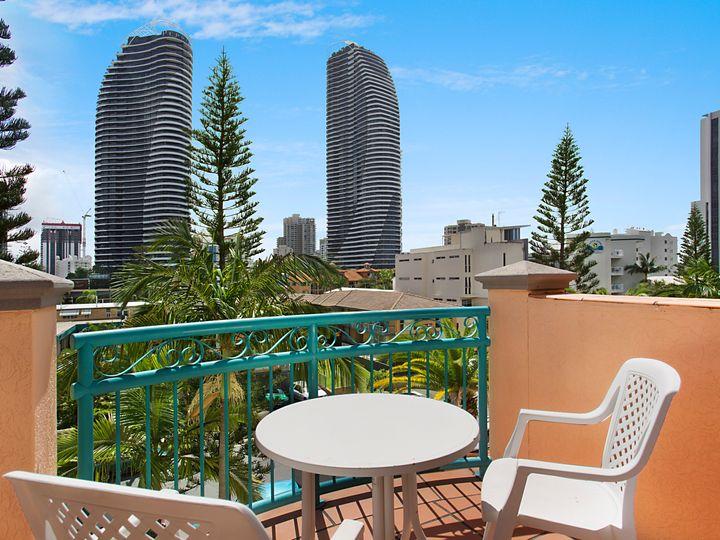 35A & B 'Aruba Surf' 20 Anne Avenue, Broadbeach, QLD