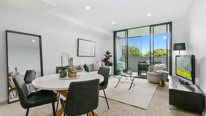 819 New Canterbury Road, Dulwich Hill