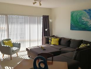 2 Bedrooms Apartment in Center Browns Bay - Browns Bay