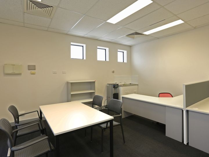 First Floor 13/42-44 King Street, Caboolture, QLD