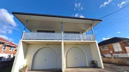 91 Royal View Road, Te Atatu South