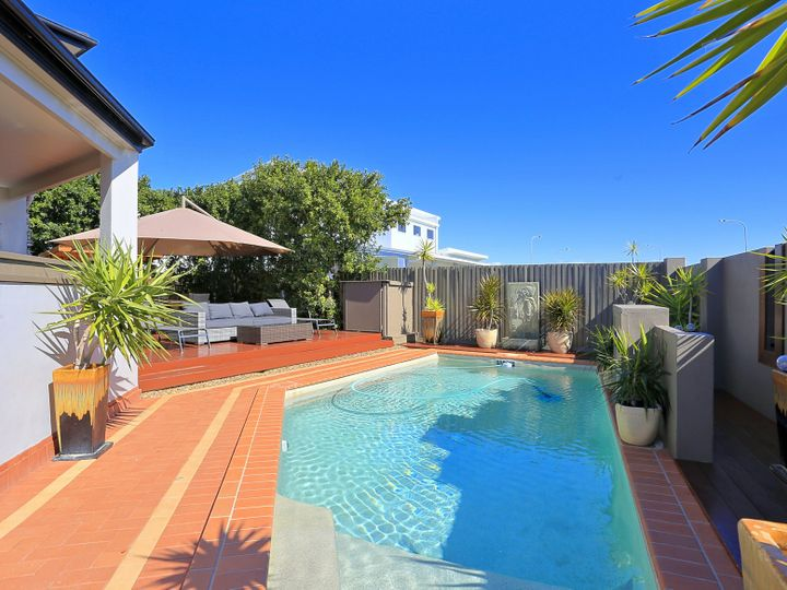 6 Fiona Place, Bargara, QLD