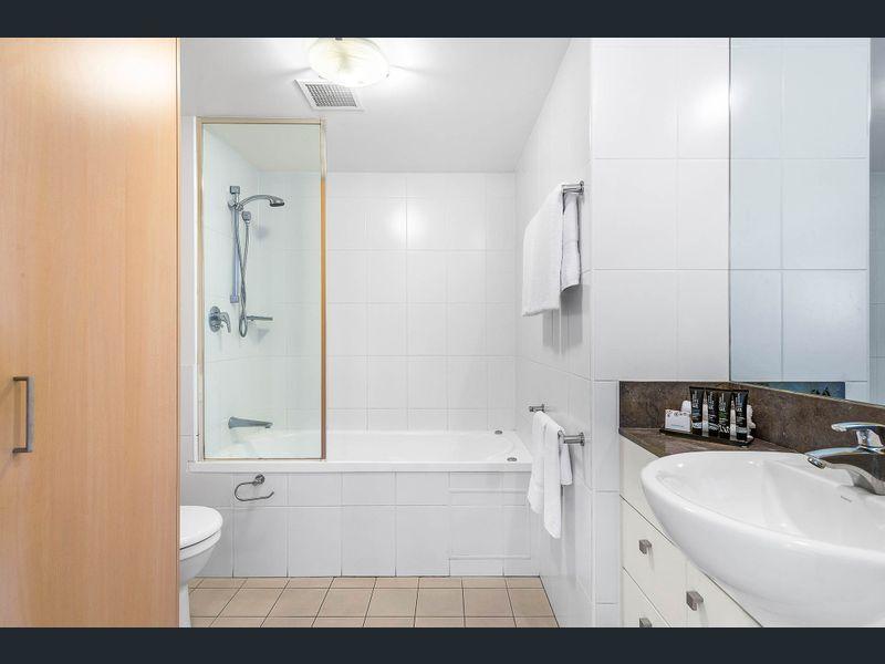 307/2685 gold coast highway, broadbeach, qld - residential apartment