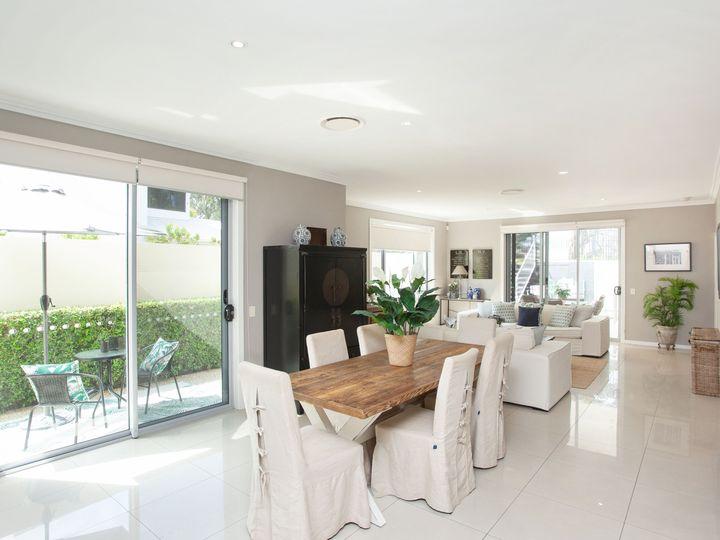 8001A Vista Drive, Benowa, QLD