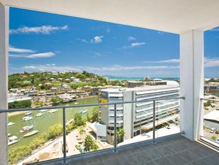Top Floor Wonder -  Spectacular Views Over City and Cleveland Bay - South Townsville