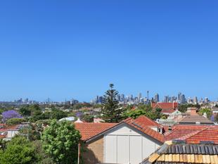 Stylish Apartment with Spectacular City Views - Petersham