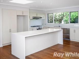 FAMILY HOME WITH OPEN PLAN DESIGN - Templestowe