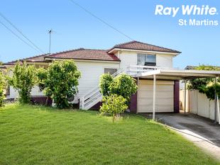 LARGE FAMILY HOME WITH A TEENAGE RETREAT - Blacktown