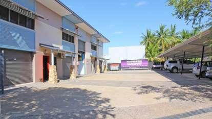 2/5 Caryota Court, Coconut Grove