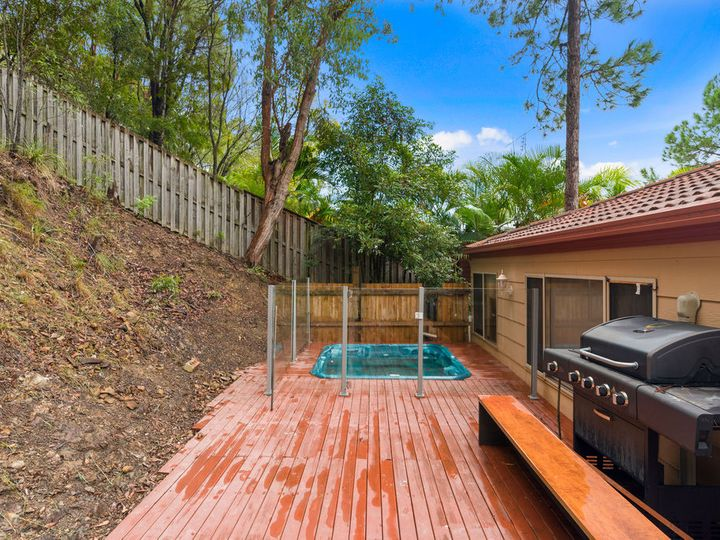 15 Bellona Court, Pacific Pines, QLD