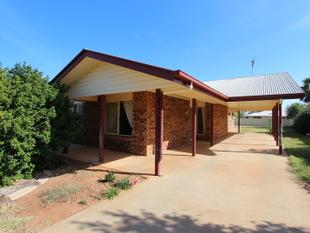Brick home in desirable area - Charleville