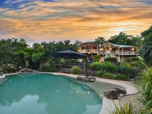 The Complete Lifestyle - 5 acres, pool, superb views & modern QLD residence - Highvale