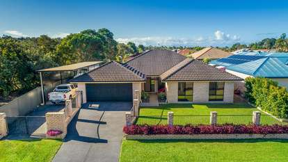 5 Maloney Place, Pelican Waters