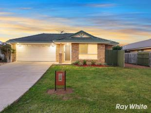 SIMPLY DELICIOUS FAMILY HOME! - Logan Reserve