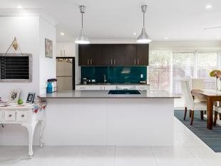 Large family home offers dual occupancy potential - Pimpama