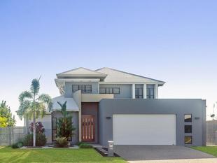 Architecturally Designed maximizing vast ocean views - Bushland Beach