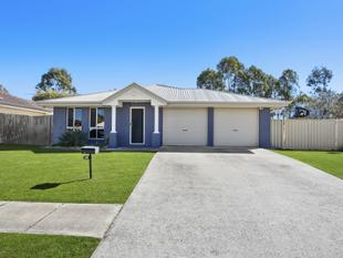 IMMACULATELY PRESENTED, ON 600M2 BLOCK, SIDE ACCESS, DOUBLE GARAGE, SELLING NOW!!!! - Deception Bay