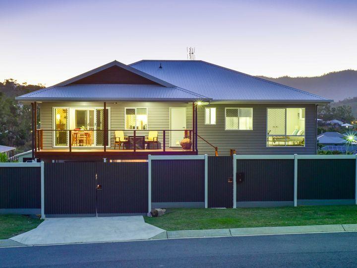 6 Pearl Street, Cannonvale, QLD